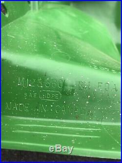 JOHN DEERE GATOR Rh rear Fender 4x2 6x4 M123360