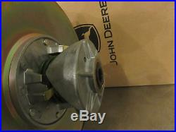 John Deere Gator secondary clutch for 4x2 HPX, 4x4 HPX, 6X4, 6X4 Diesel AM138486