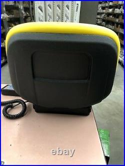 NIB John Deere AM133476 YELLOW GATOR SEAT FITS CS & CX GATOR
