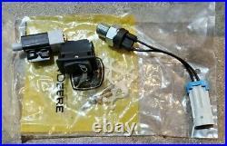 New John Deere XUV 625i 825i 855D Gator Left Right Tail Lights AM136534 AM136535